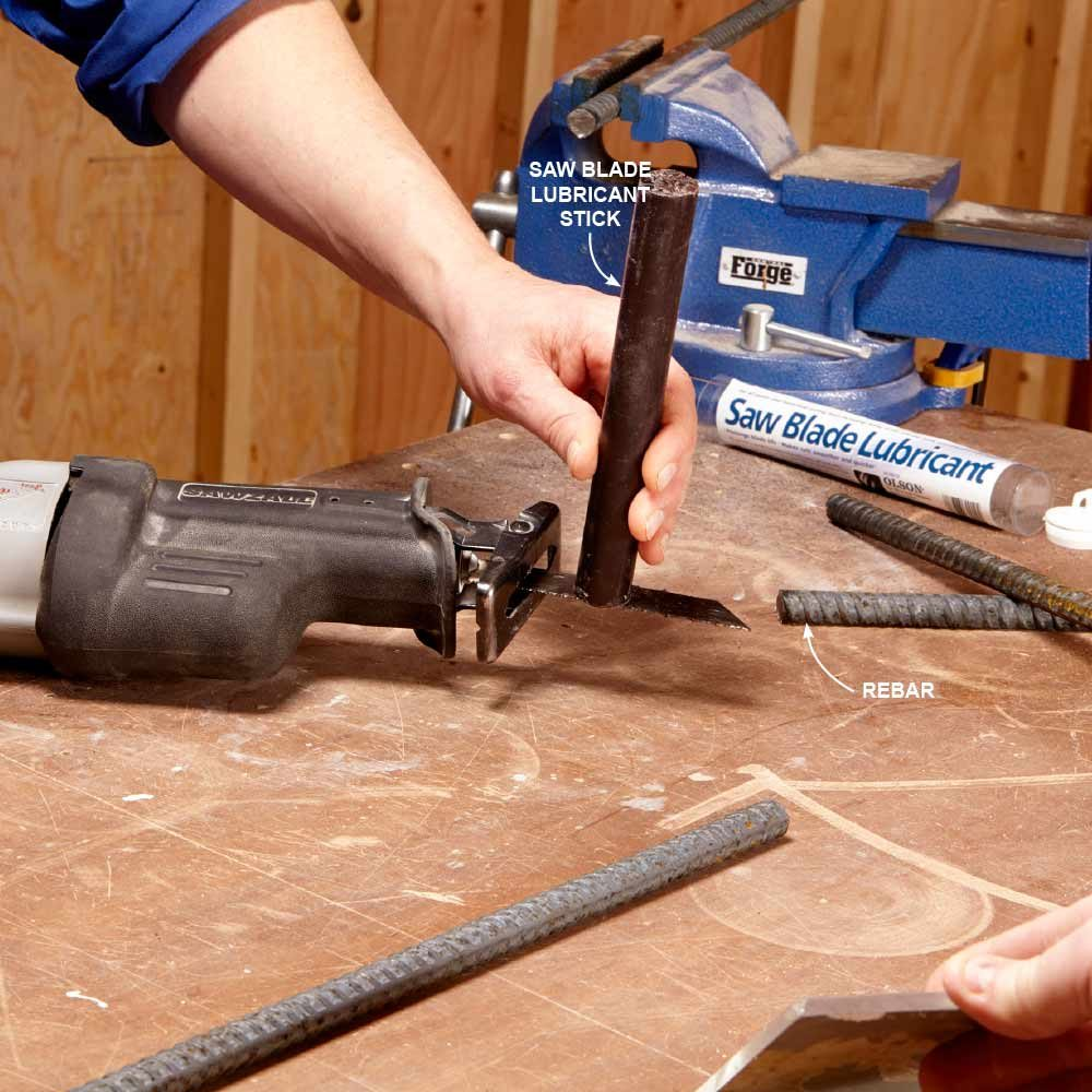 Lubricating a saw blade | Construction Pro Tips