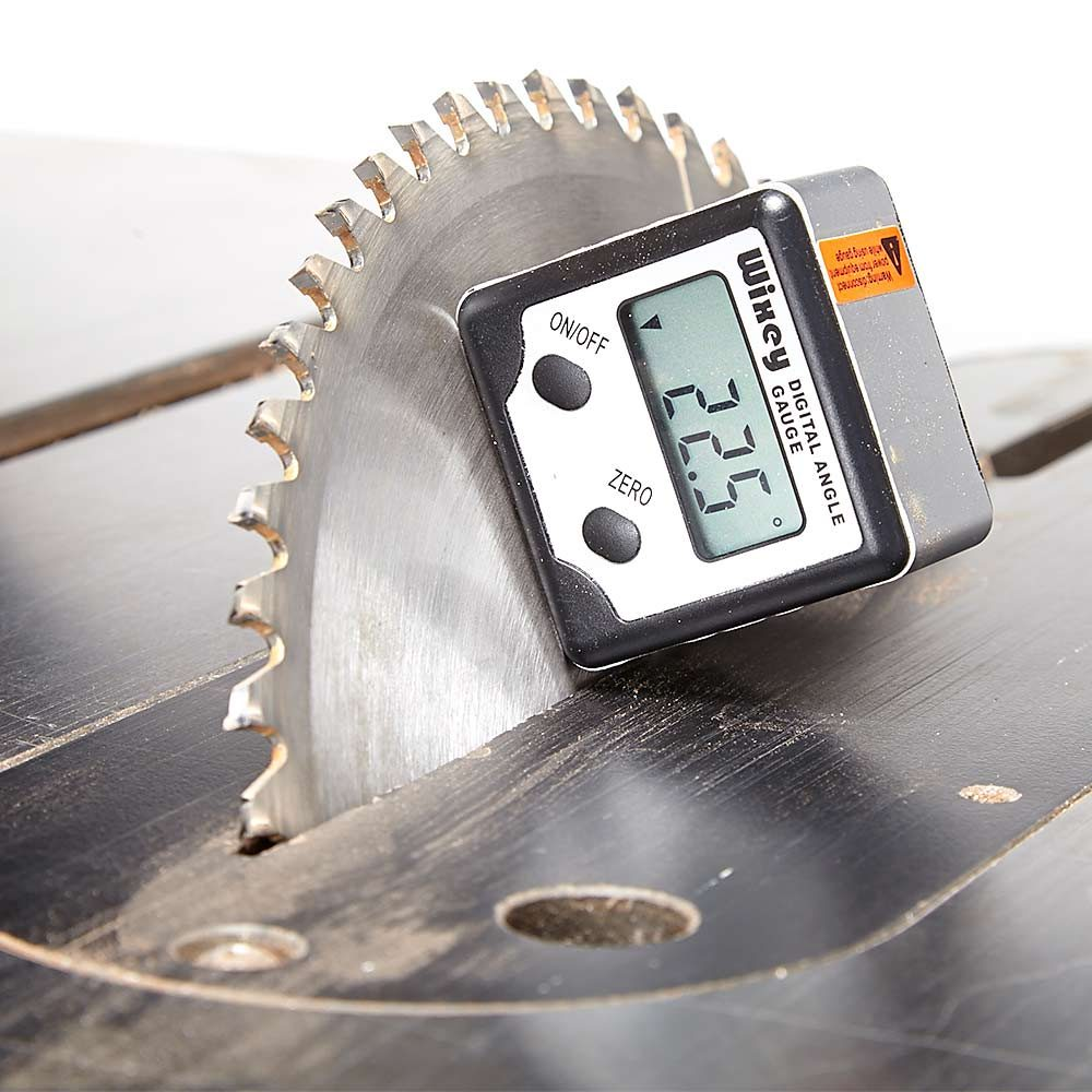 A digital gauge for reading saw blade angle | Construction Pro Tips