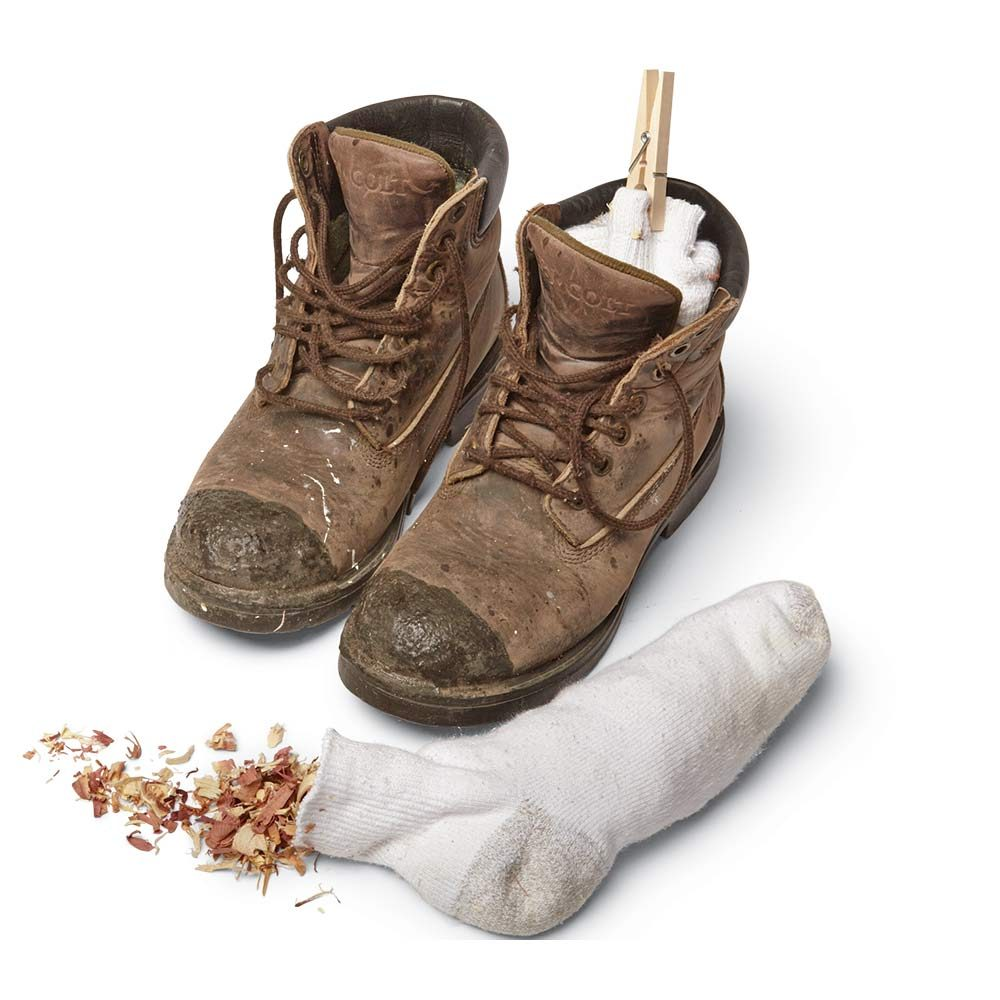 Filling boots with socks stuffed with fresh smells | Construction Pro Tips
