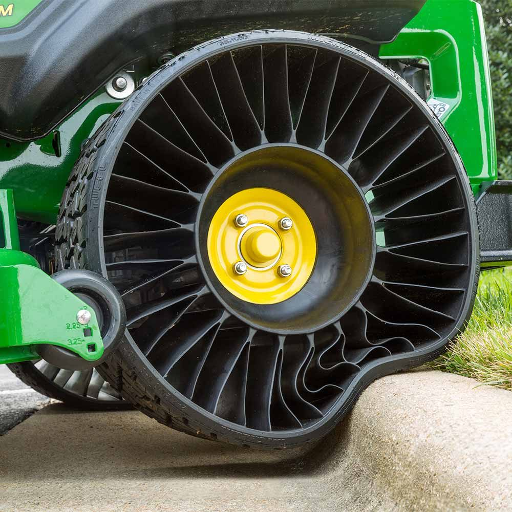 A flexible Tweel from John Deere | Construction Pro Tips
