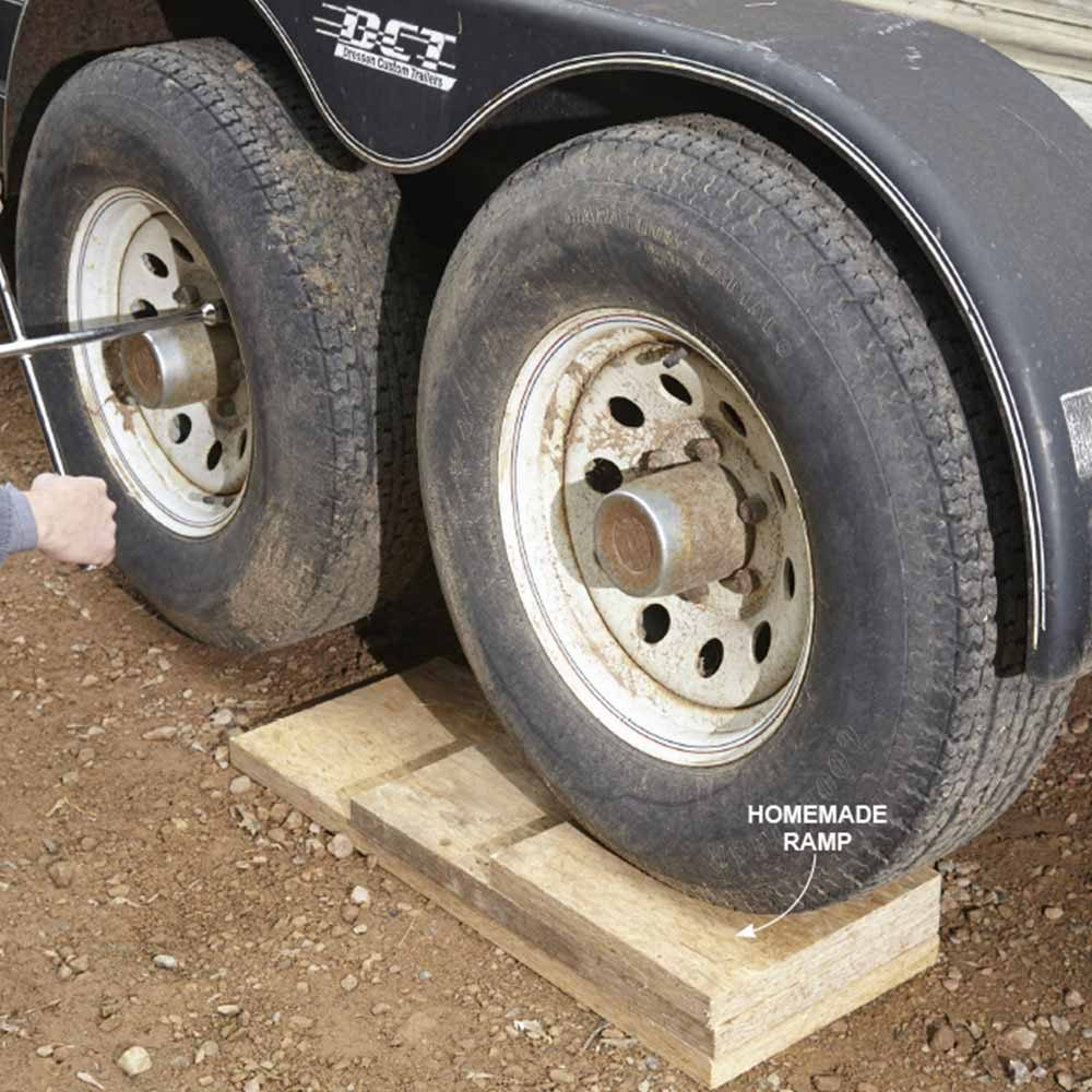 Home-made ramp for a trailer wheel | Construction Pro Tips