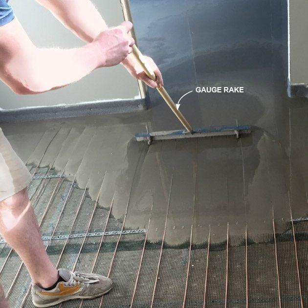 Move Leveler With a Gauge Rake