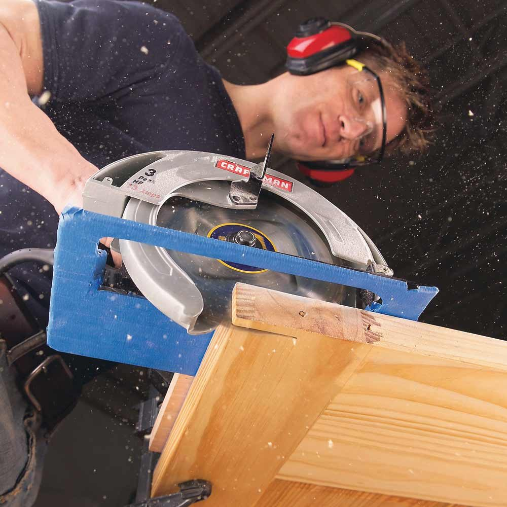 Scratch-free sawing with a circular saw | Construction Pro Tips