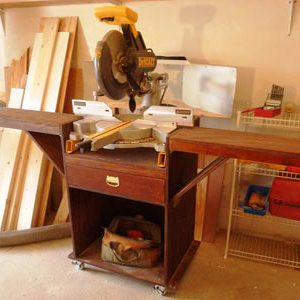 Space-saving miter saw stand