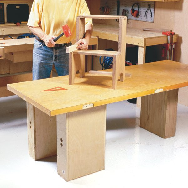 How to build workbenches 4 knockdown designs the family for Working table design ideas
