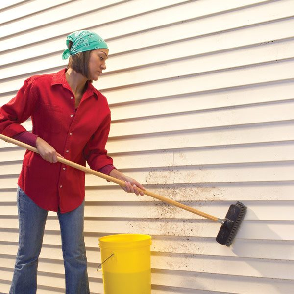 Cleaning Vinyl Siding The Family Handyman