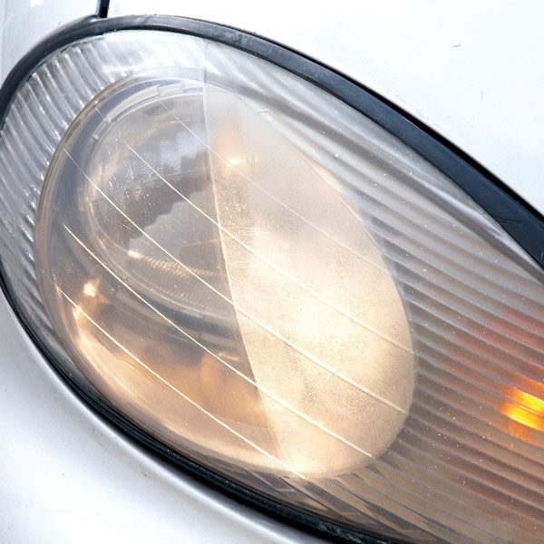 how to clean headlight lens with vinegar