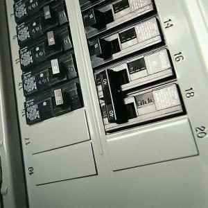 Testing A Circuit Breaker Panel For 240 Volt Electrical