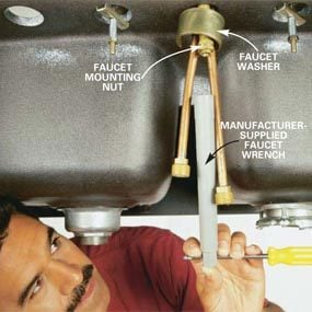 How To Replace A Kitchen Faucet The Family Handyman - How to change a kitchen faucet