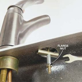 How To Replace A Kitchen Faucet The Family Handyman - How to tighten kitchen faucet