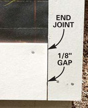 Leave a small gap between the siding and the corner trim.