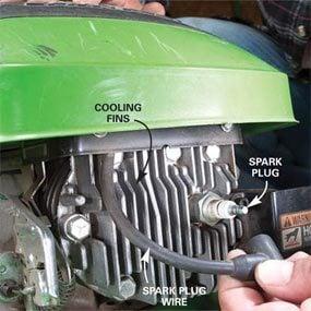 Photo 6: Remove the spark plug