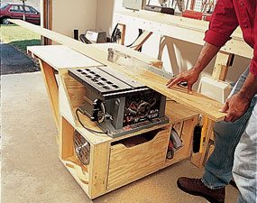 woodworking bench with table saw. table saw module in action woodworking bench with