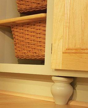 Pick colors that create a nice fresh kitchen décor.