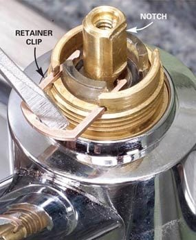 Photo 4: Remove the retainer clip