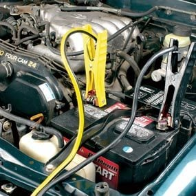 How to correctly hook up jumper cables