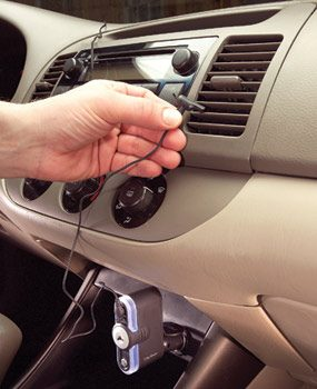 attaching ionizer to car vent
