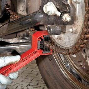 Photo 1: Clean the chain