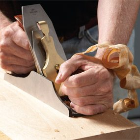 Bench plane in action