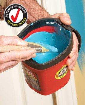 The Handy Paint Pail is easy to hold without hand fatigue.