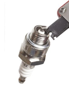 What You Need to Know to Adjust a Spark Plug Gap