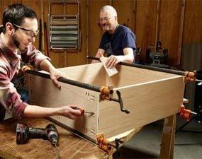Photo 3: Assemble the box