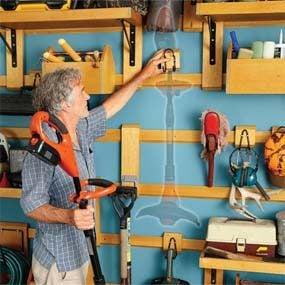 Easy-to-move storage hangers