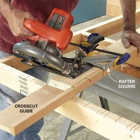 Crosscut saw guide for narrow hangers