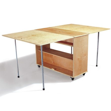 <b>Workbench with finish applied</b></br> Coat the wood with 3 coats of urethane varnish for a tough, attractive work surface.