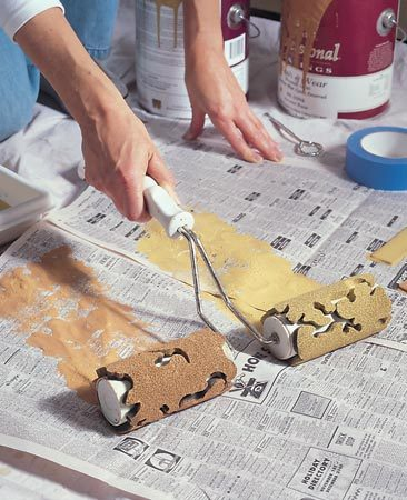 <b>Dual roller method</b></br> Two different paint colors on dual rollers create the mottled, textured effect.