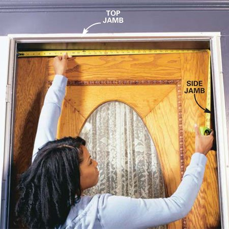 <b>Photo 2: Measure the jamb</b></br> <p>Close the door and measure the top of the frame from side to side. Mark the length on the short section of your purchased weatherstripping with a clear, sharp line.</p>