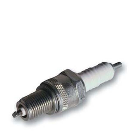 <b>Spark plug</b></br> Oil and fuel stabilzer in the fall helps keep the spark plug clean and corrosion-free.