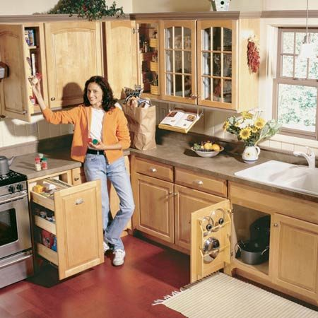 <b>An organized kitchen</b></br> These five projects will help you keep your kitchen organized.