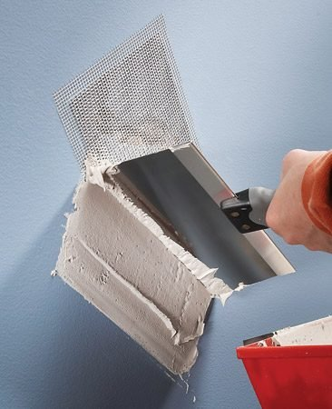 <b>Hole patches fix wall holes and cracks fast</b></br> Available up to 8 in. square, these stiff metal patches eliminate the time-consuming process of squaring a hole, putting in wood backer boards, and buying, cutting and taping the drywall. They're a great fast fix for holes and big cracks in walls before painting.