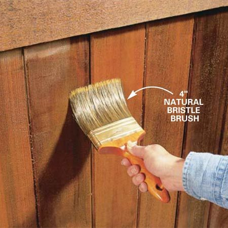 <b>Photo 8: Brush out the stain</b></br> Brush the stain (backbrush) into the wood grain and all corners and gaps. Brush out any runs or drips.
