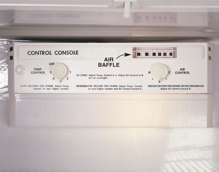 <b>Adjust the temperature controls</b></br> Set the temperature controls to the middle settings. Make any adjustments according to a refrigerator thermometer. The optimum setting for your fridge is between 38 and 42 degrees F; the freezer, between 0 and 10 degrees.