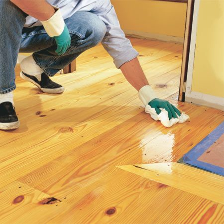 <b>Photo 20: Wipe the floor until it's dry </b></br> Wipe until dry; there should be no oil sitting on the surface.
