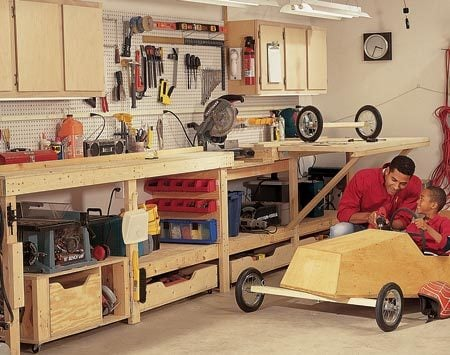 <b>Super tool storage</b><br/>The bench and tools sit compactly against one wall so you still have room for the car.