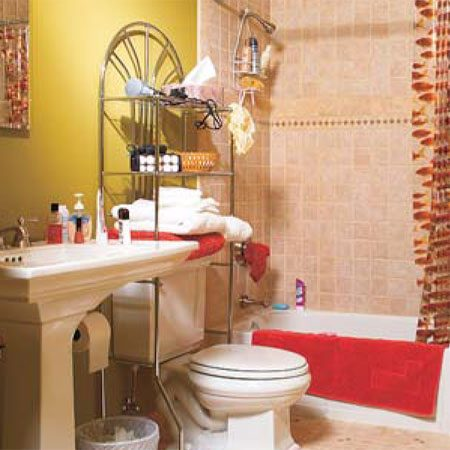 <b>Bathroom, before photo</b></br> A typical bathroom, before being remodeled.