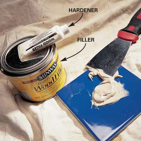 <b>Photo 2: Mix wood filler</b></br> Fill nicks and gouges with a two-part wood filler. Mix it thoroughly (following label directions) with a 2- or 3-in. flexible metal or plastic putty knife.
