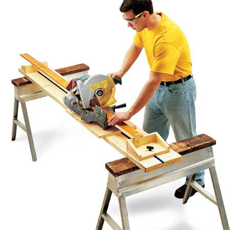 <b>Miter saw stand</b></br> This compact stand features sliding saw base, sliding supports on both sides and a stop block for repetitive cuts.