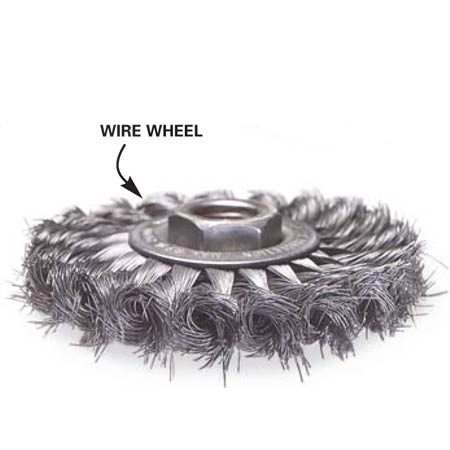 <b>Wire wheel</b></br> Wire wheels fit into tight spaces.