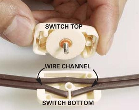 <b>Photo 3: Attach the switch</b></br> Insert the cord into the wire channel on the switch bottom. Press the switch halves together and tighten the switch screw.