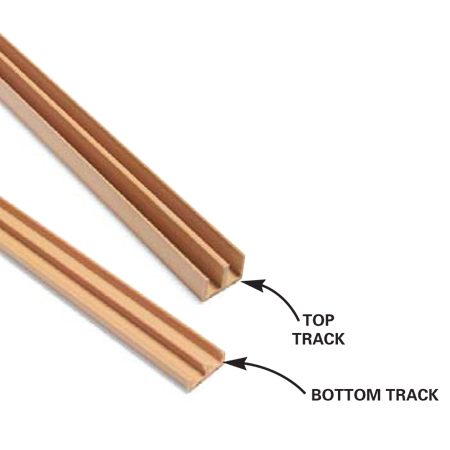 <b>Close-up of the track</b></br> Detail of top and bottom track