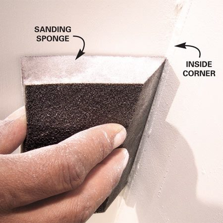 <b>Sand corners with a sponge</b></br> Sand corners with a fine sanding sponge rather than the large hand sander.
