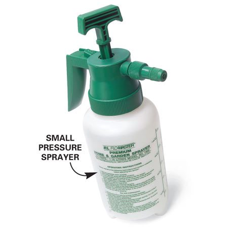 <b>Photo 1A: Close-up of small pressure sprayer</b><br/>Add herbicide and water and pump to pressurize.