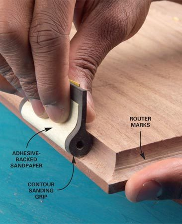 <b>Special sanding grips</b></br> Special sanding grips reach into contours and are easier on the fingers.