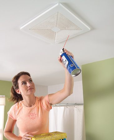 <b>Grille cleaning</b><br/>Blow the dust from wall and ceiling grilles with short blasts of canned air. Make sure the fans are running when you do this.