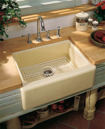 <b>Single-bowl sink</b></br> Single-bowl sinks will seem more spacious but take up less room that a double-bowl sink.