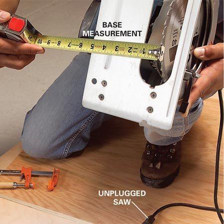 <b>Photo 1: Measure the base plate</b></br> Measure from the edge of the blade to the edge of the base plate.